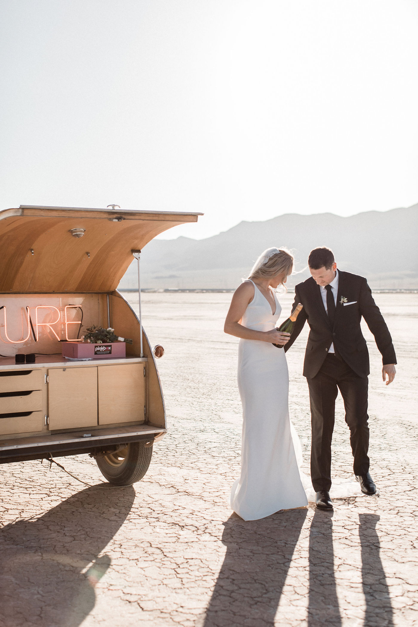 intimate flora pop las vegas elopement at dry lake bed00013.jpg