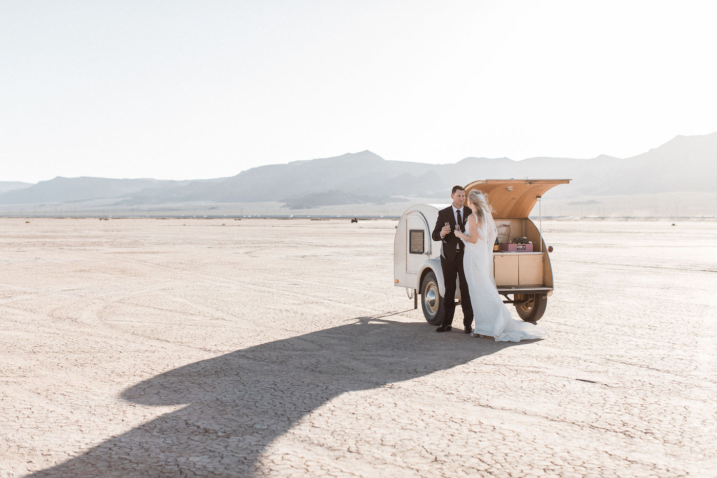 intimate flora pop las vegas elopement at dry lake bed00015.jpg