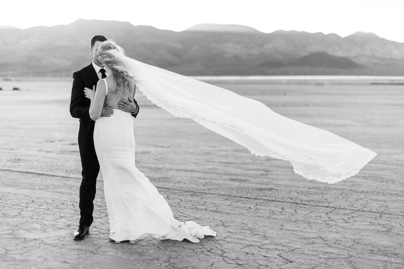 intimate flora pop las vegas elopement at dry lake bed00017.jpg