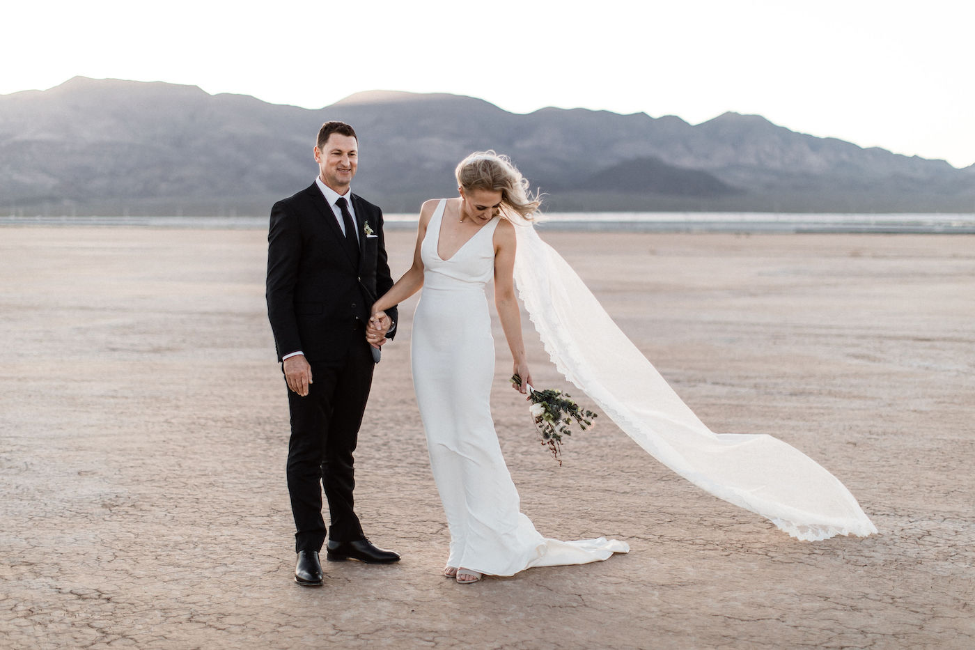intimate flora pop las vegas elopement at dry lake bed00026.jpg