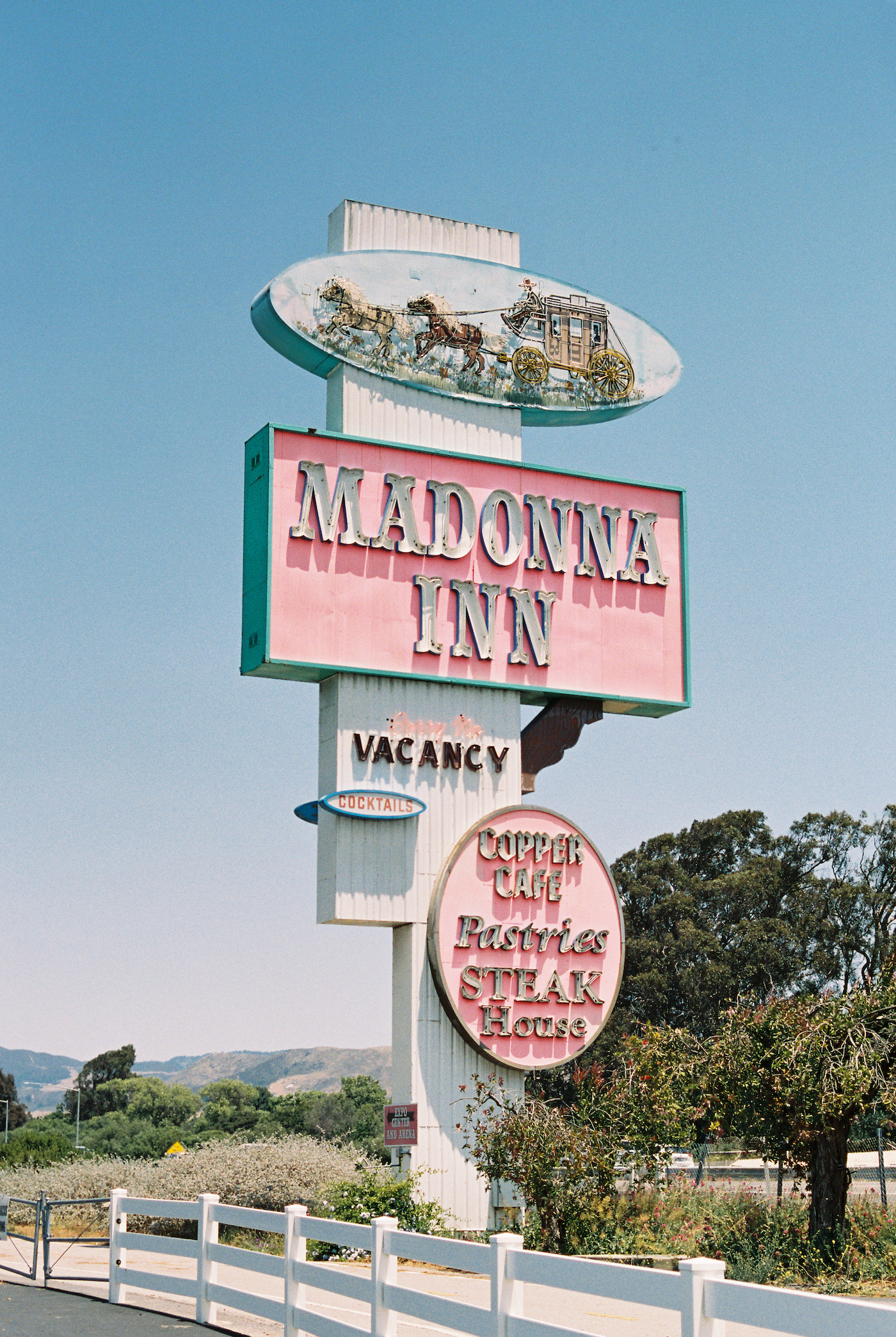 madonna inn wedding00097.jpg
