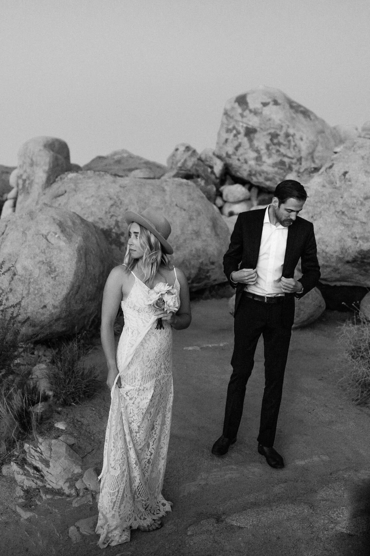 joshua tree elopement with flora pop00002.jpg