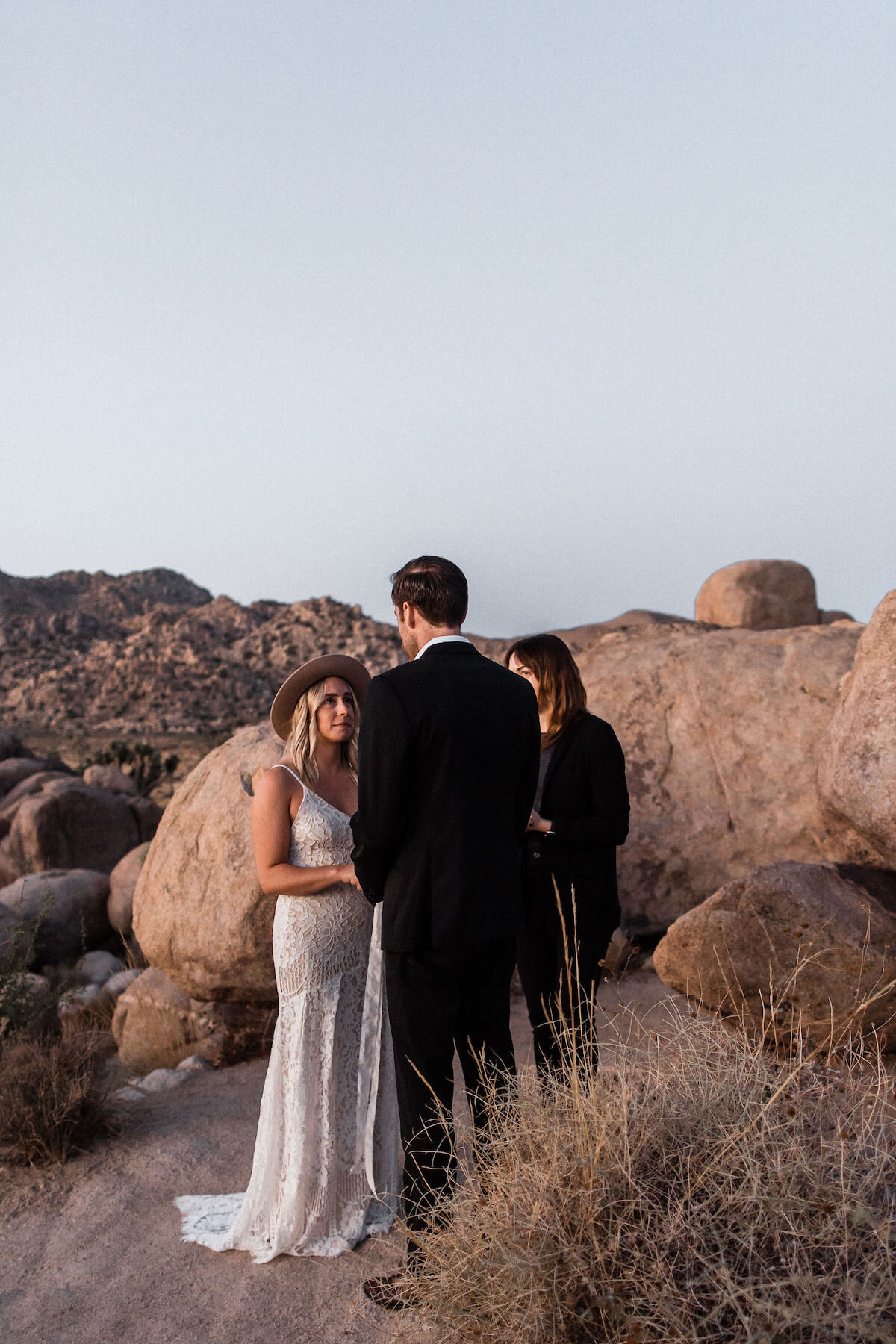 joshua tree elopement with flora pop00001.jpg