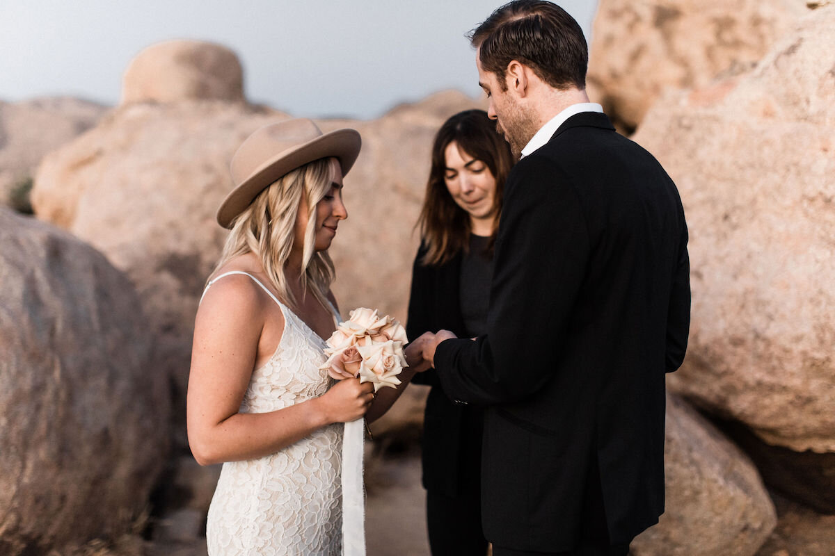 joshua tree elopement with flora pop00012.jpg