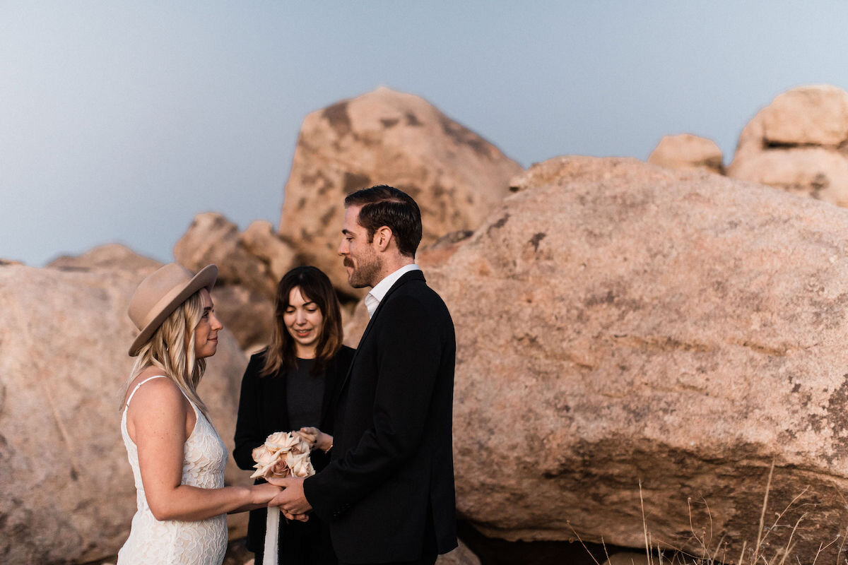 joshua tree elopement with flora pop00011.jpg