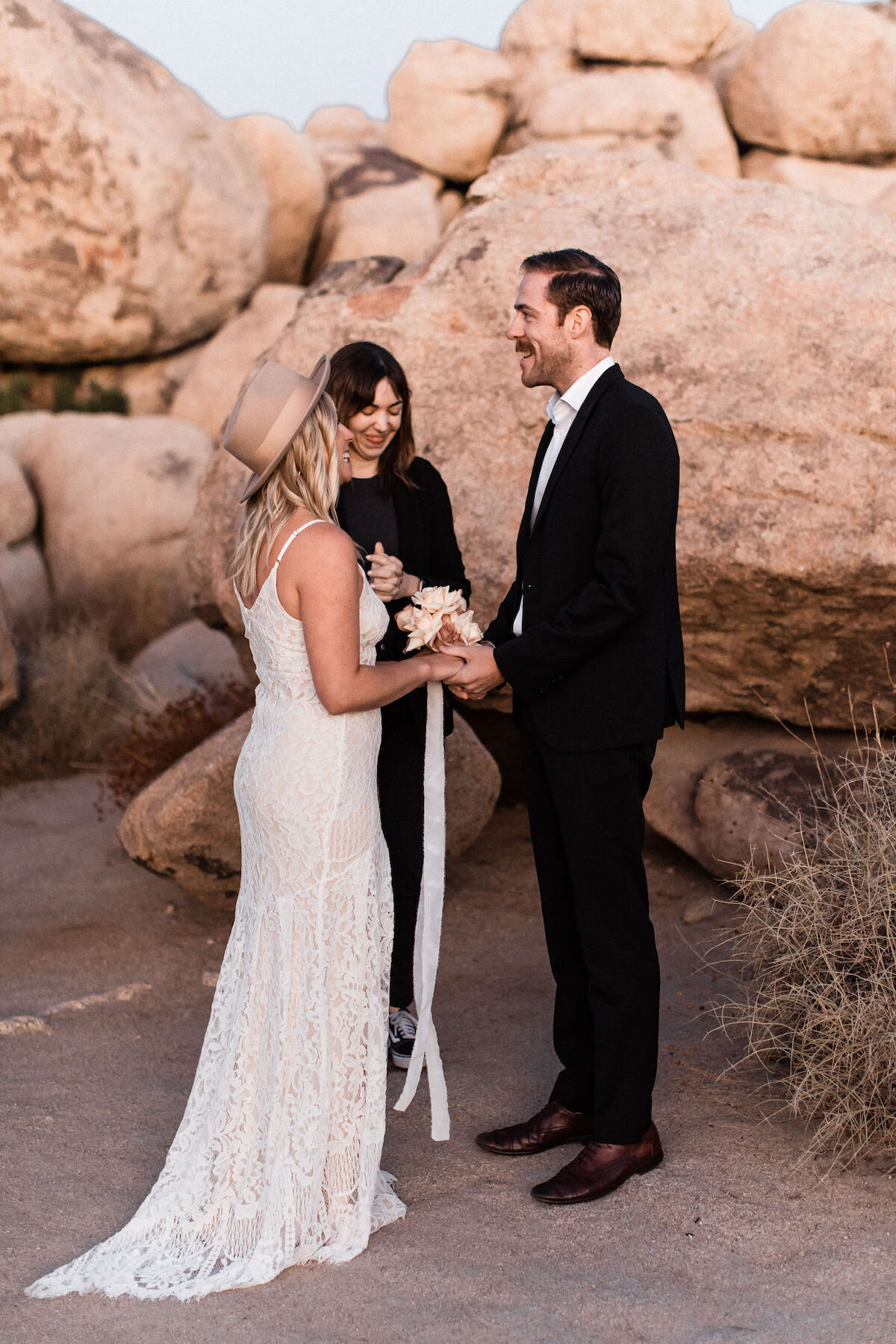 joshua tree elopement with flora pop00009.jpg