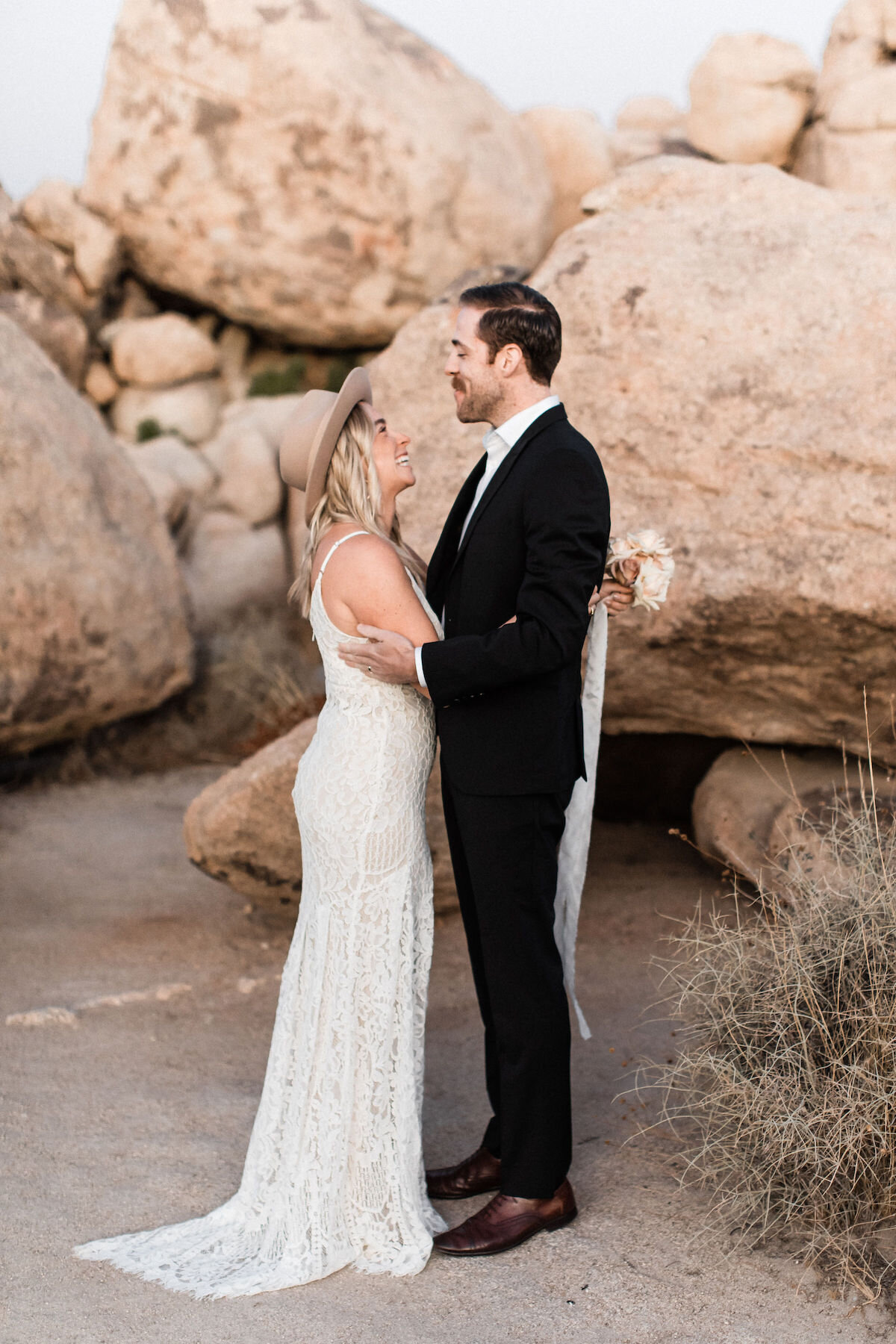 joshua tree elopement with flora pop00017.jpg