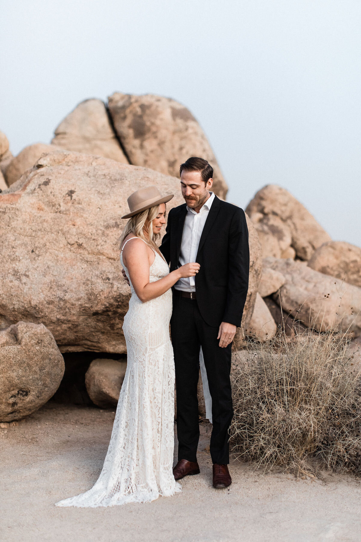 joshua tree elopement with flora pop00019.jpg