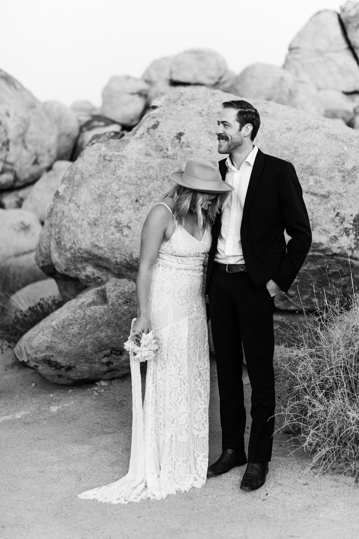 joshua tree elopement with flora pop00021.jpg