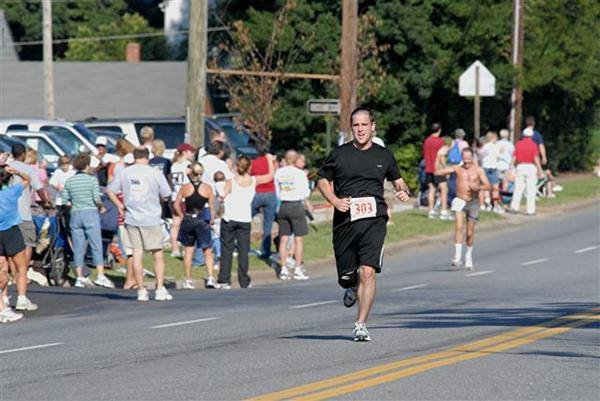My first 10 miler in September 2006. I was actually injured, but still finished in 1:22.