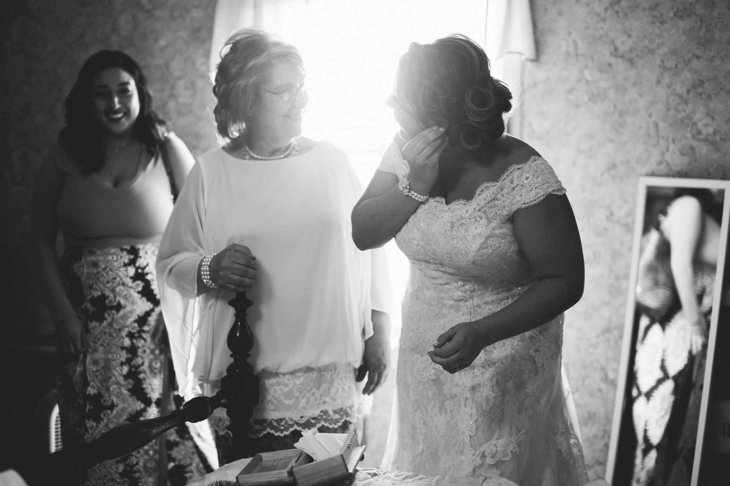 Sasha & Todd Wedding | Hannahill Photography | Kansas City, MO