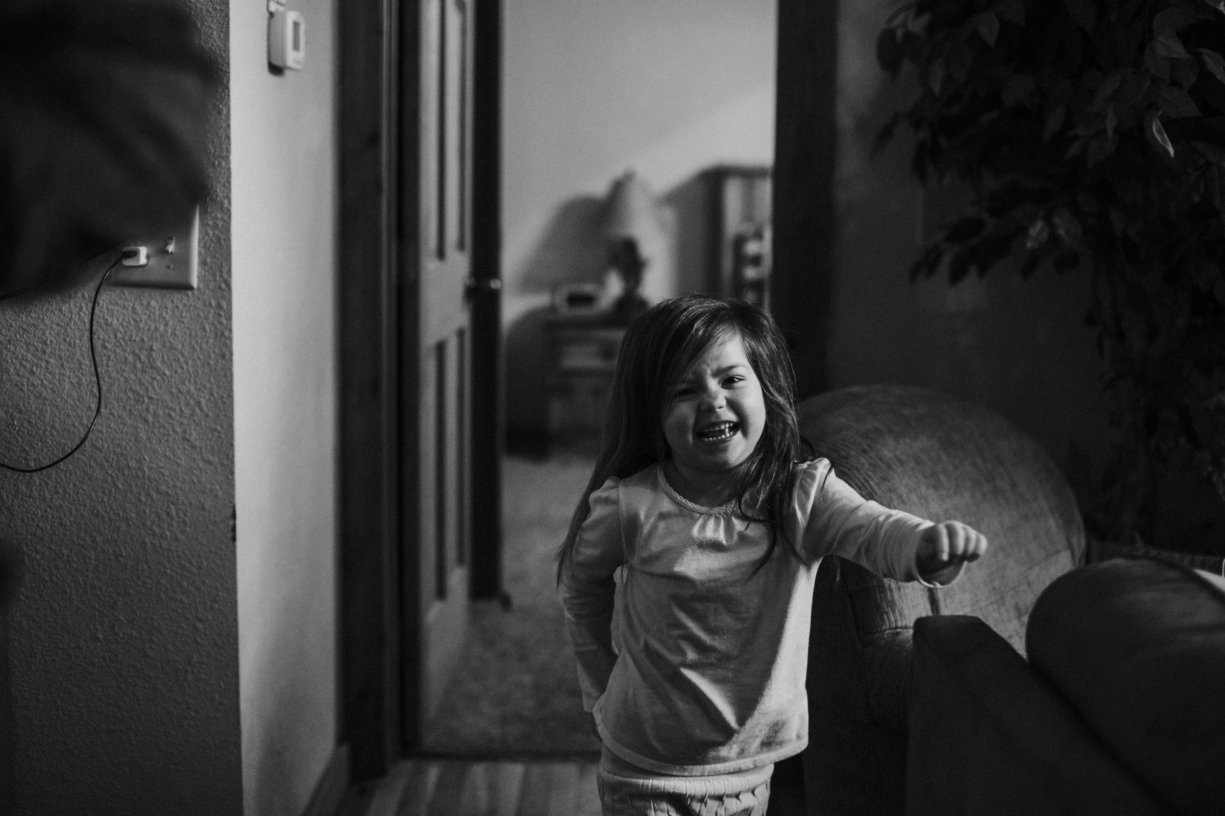 Christmas 2016 | Hannahill Photography | Branson, MO | Documentary Family Photography | a black and white portrait of my neice
