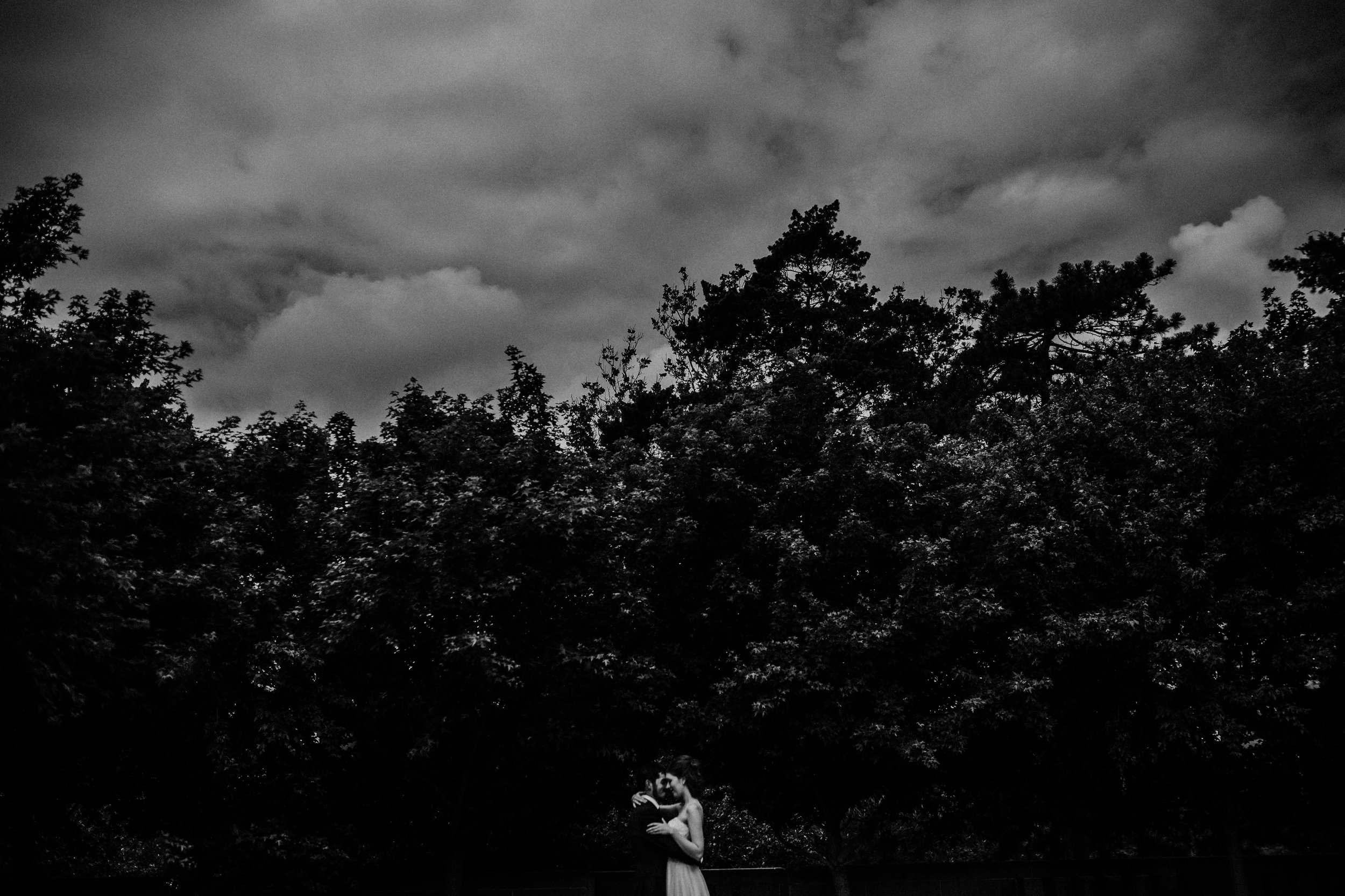 Bride and groom portraits at Nelson Atkins Museum mid town KC | Glass Labyrinth by Robert Morris |Shelbie & Jospeh's Summer Love Story : Kansas City Wedding | Hanna Hill Photography