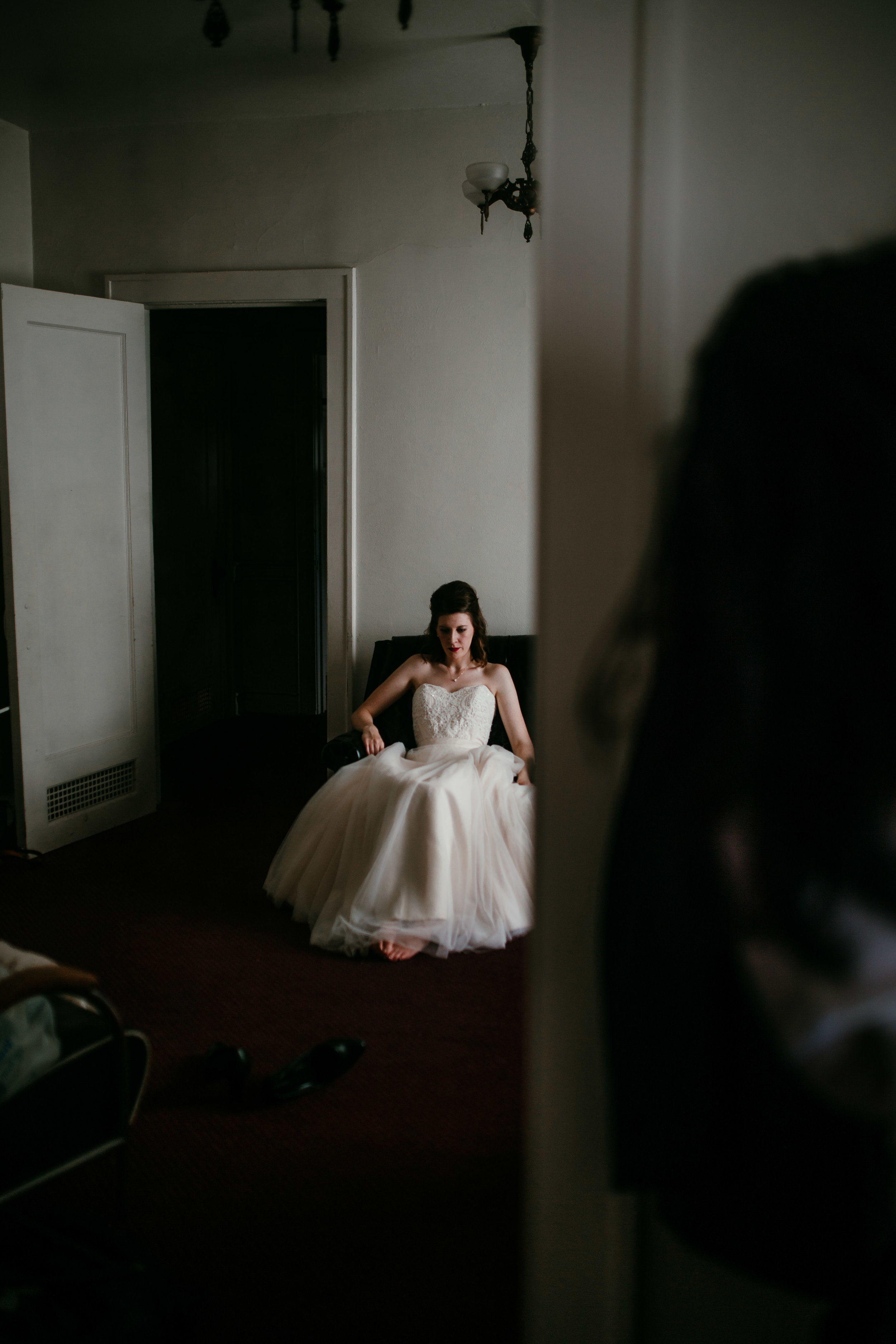 Bride waiting to walk down the aisle | Shelbie & Jospeh's Summer Love Story : Kansas City Wedding | Hanna Hill Photography