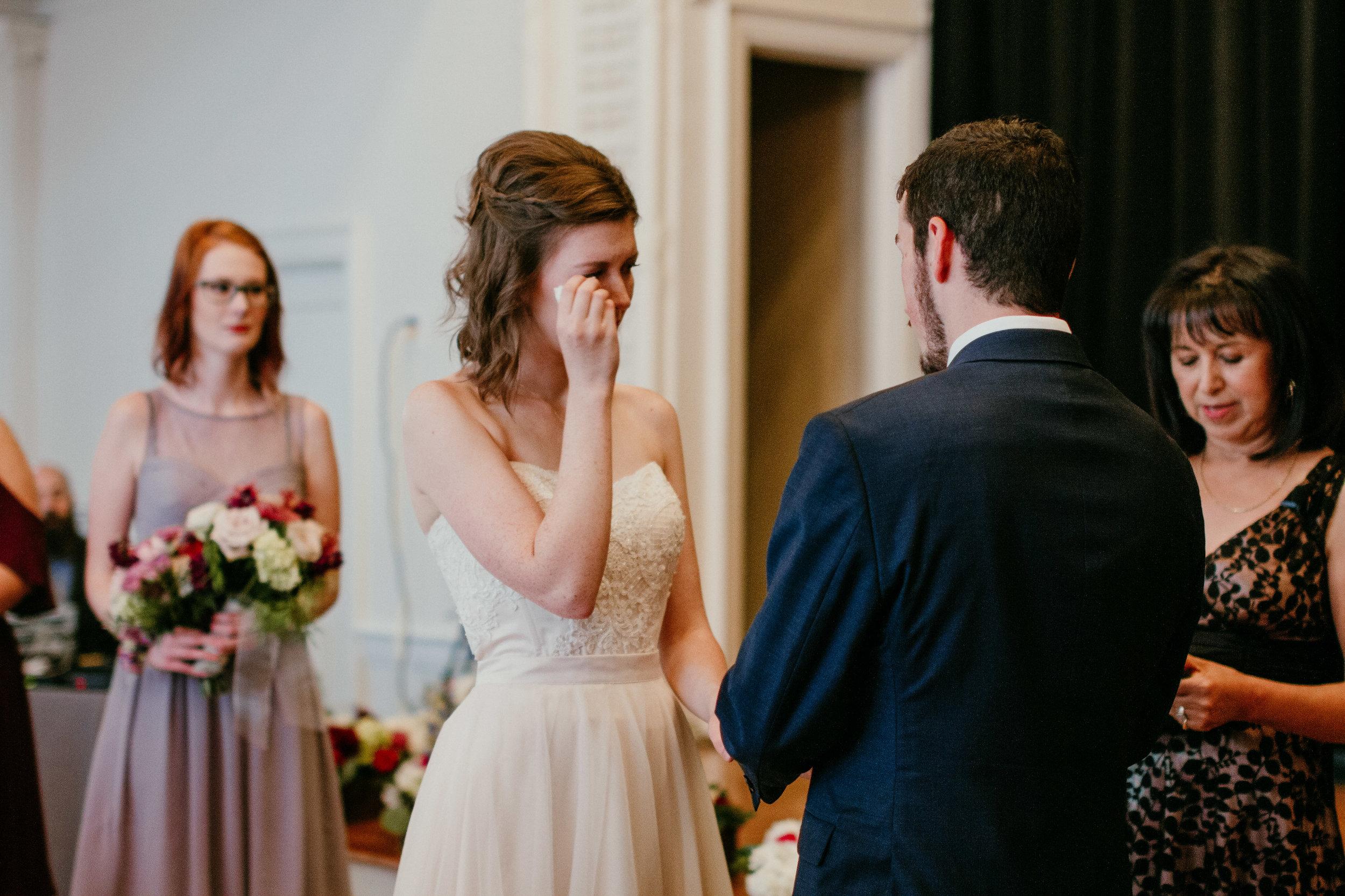 Ceremony of Shelbie & Jospeh's Summer Love Story : Kansas City Wedding   Hanna Hill Photography
