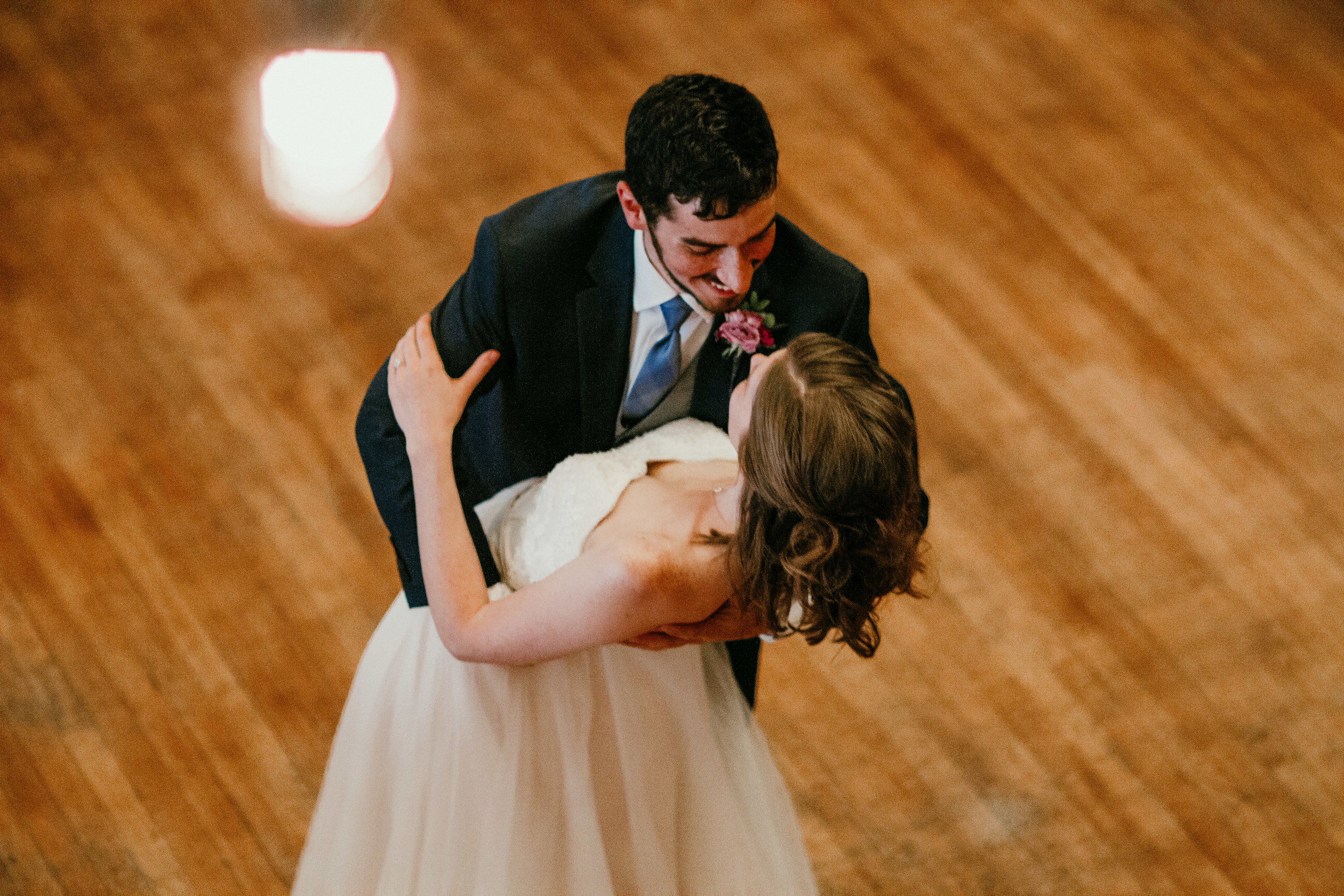 First dance of bride and groom | Shelbie & Jospeh's Summer Love Story : Kansas City Wedding | Hanna Hill Photography