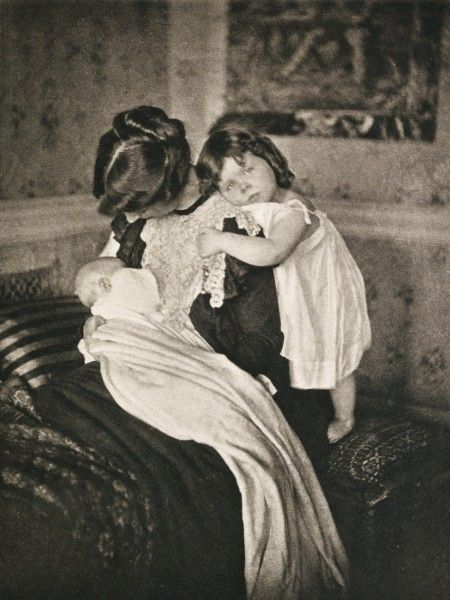 Mutterglück (Joy of Motherhood) by Gertrude Käsebier, 1903
