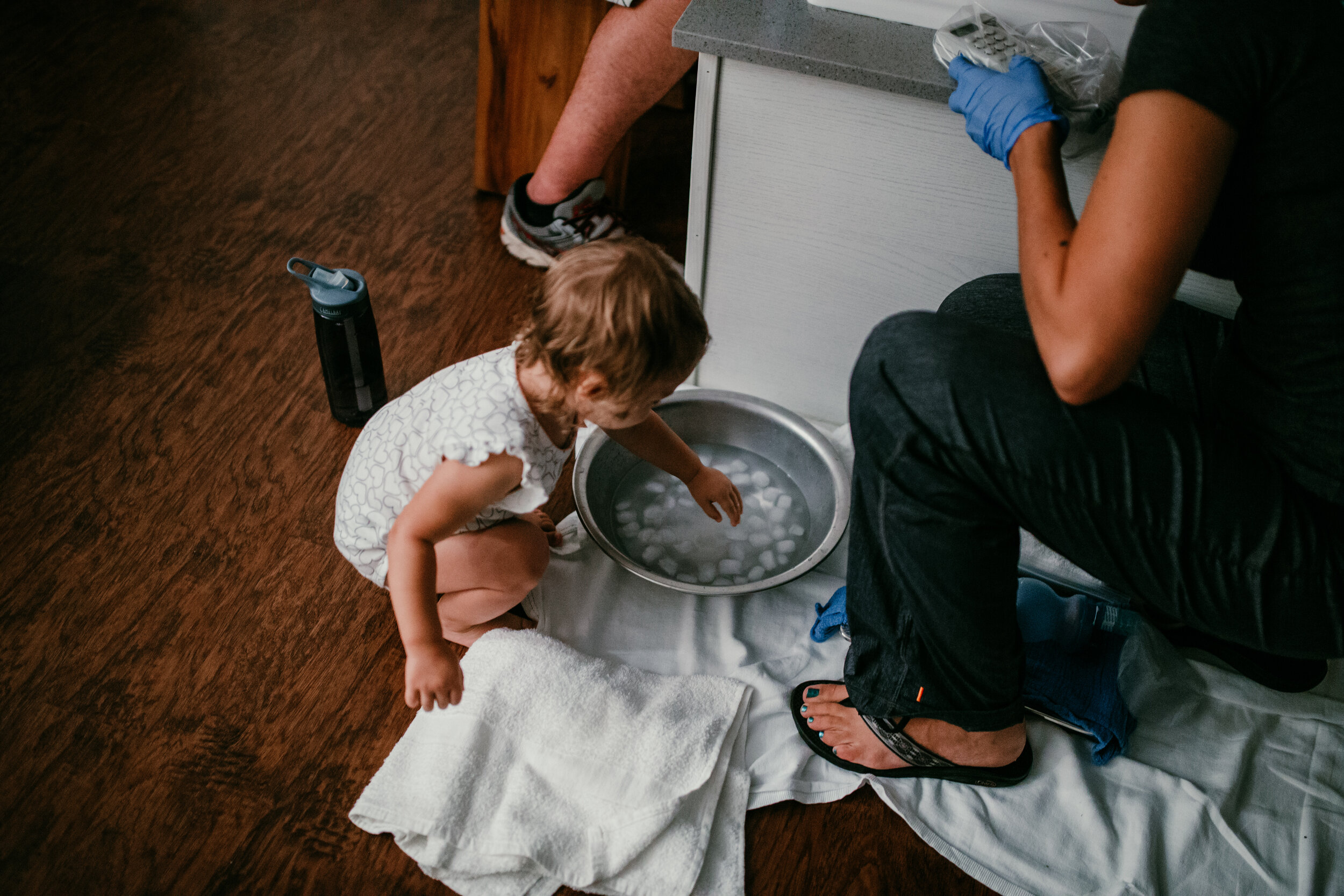 Micah H. birth story | Raleigh birth photography | Durham birth photography | natural birth center water birth | Hanna Hill Photography