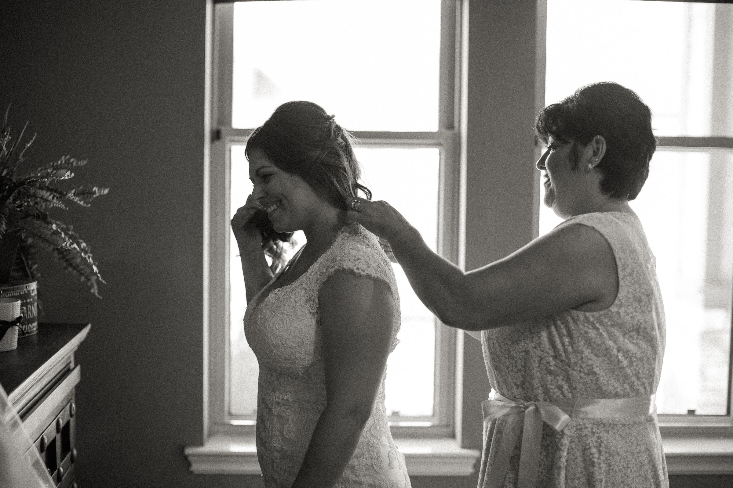 Andrew_and_Michelle_ByronCA_Leer_Vineyards_wedding-15.jpg