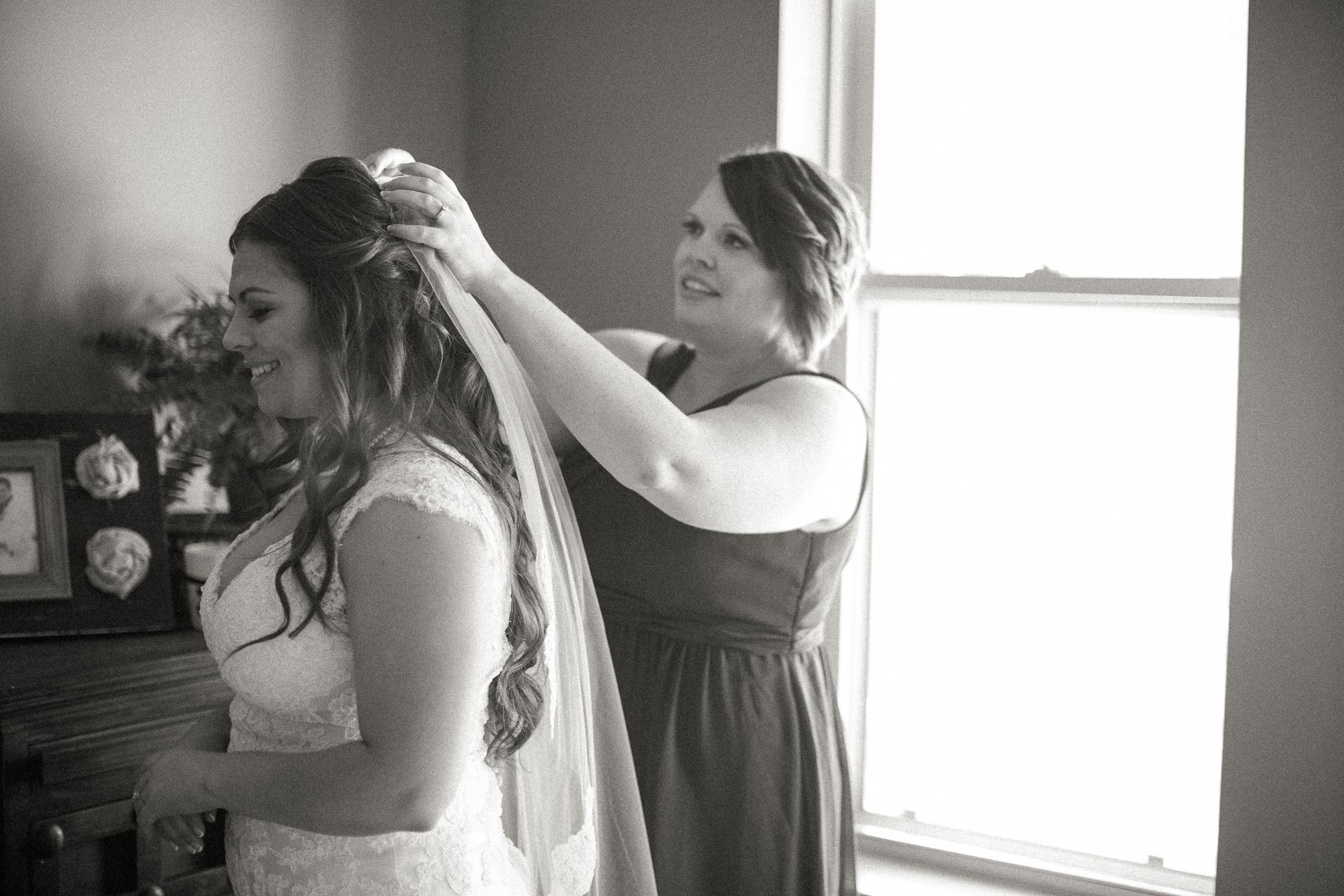Andrew_and_Michelle_ByronCA_Leer_Vineyards_wedding-23.jpg
