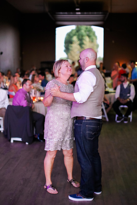 Andrew_and_Michelle_ByronCA_Leer_Vineyards_wedding-116.jpg