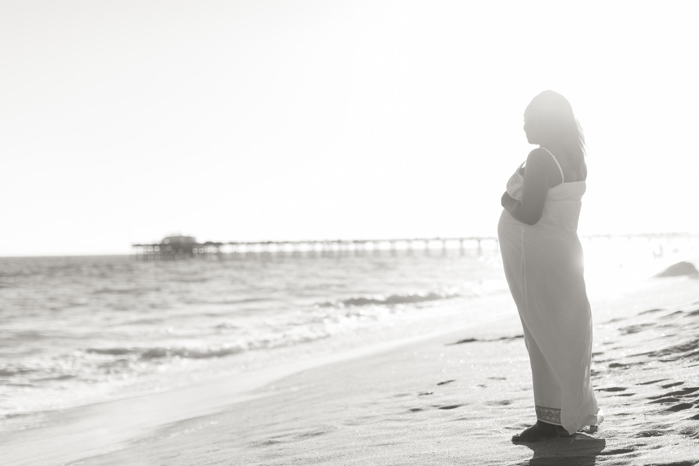 Adriana_Maternity_Balboa Pier_NewportBeach-30.jpg