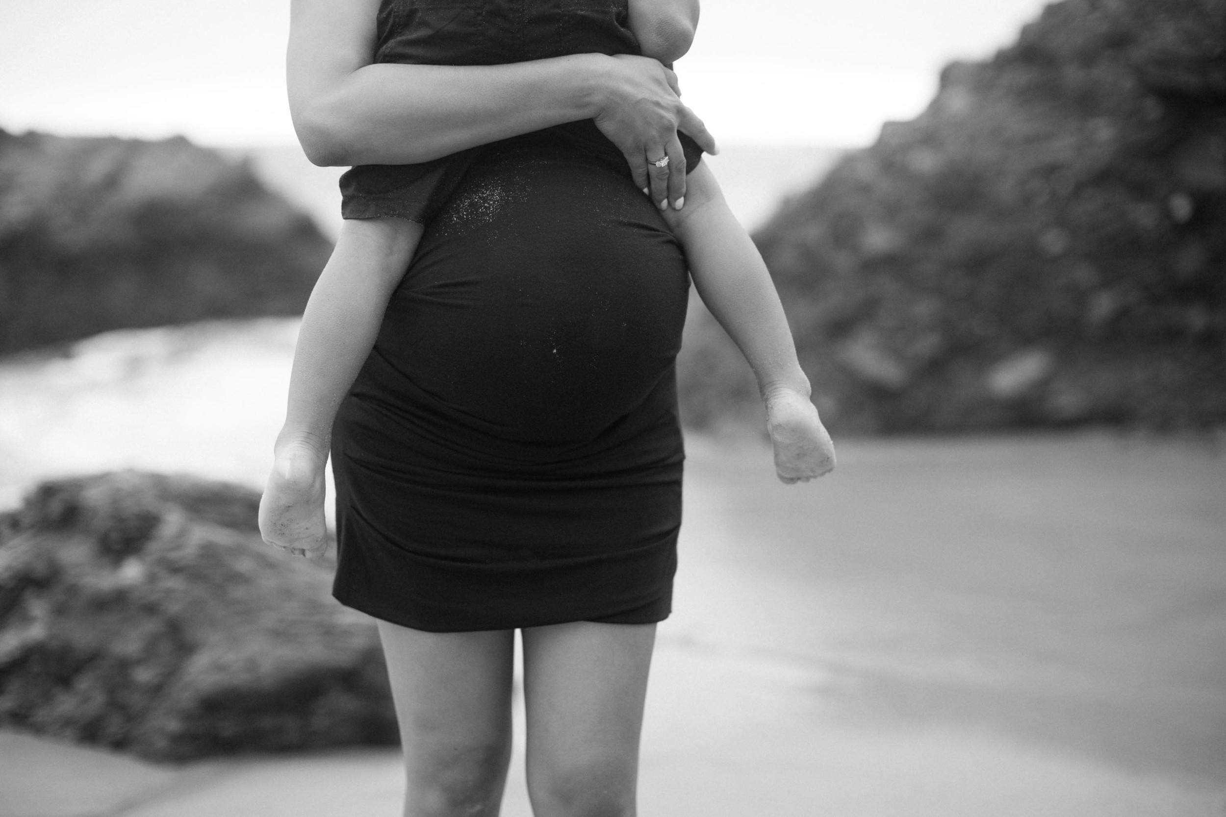 Joy_Maternity_LagunaBeach_BrandonJFerlinPhotography-78.jpg