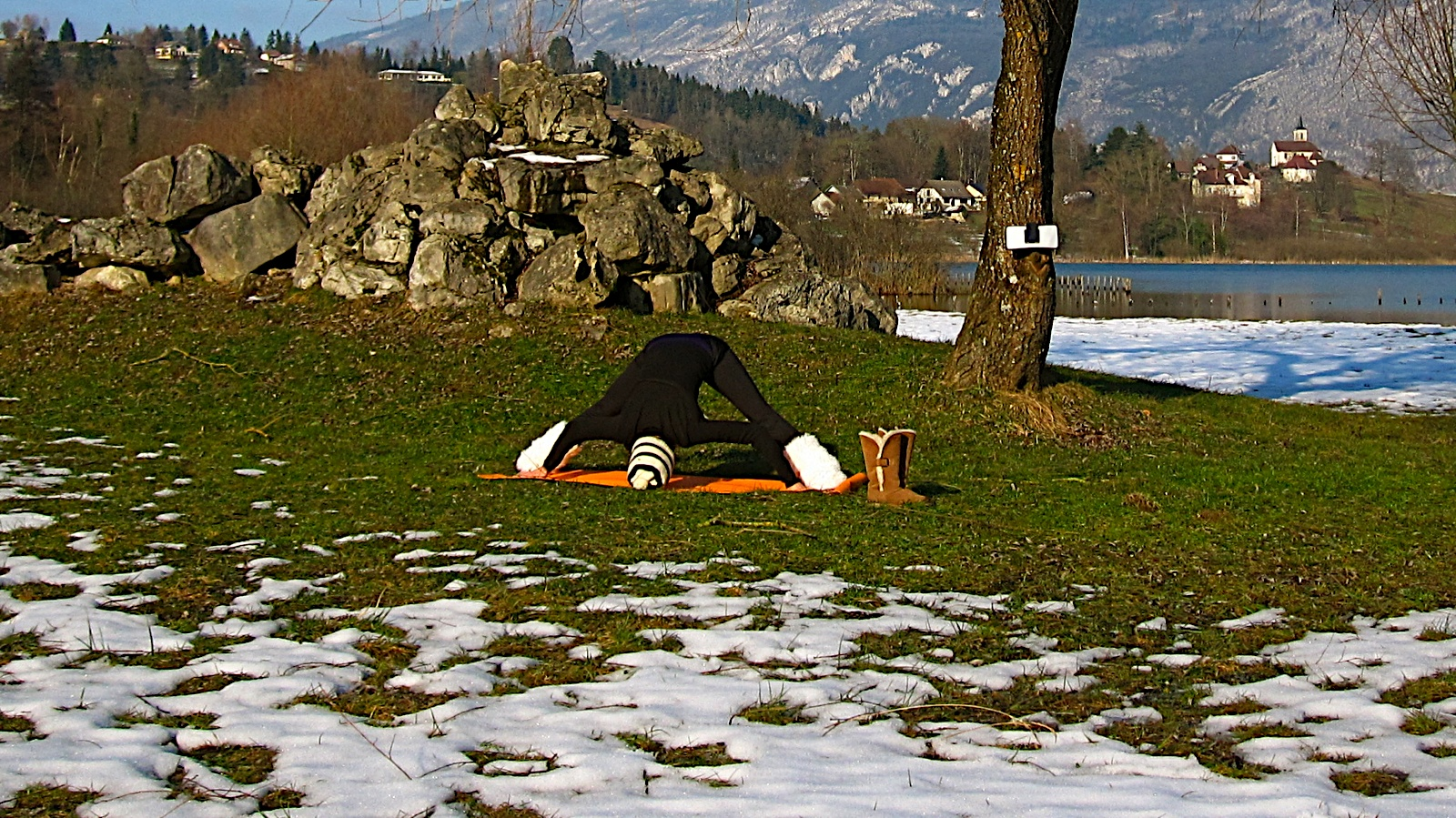 Posture de yoga prasarita padottanasana