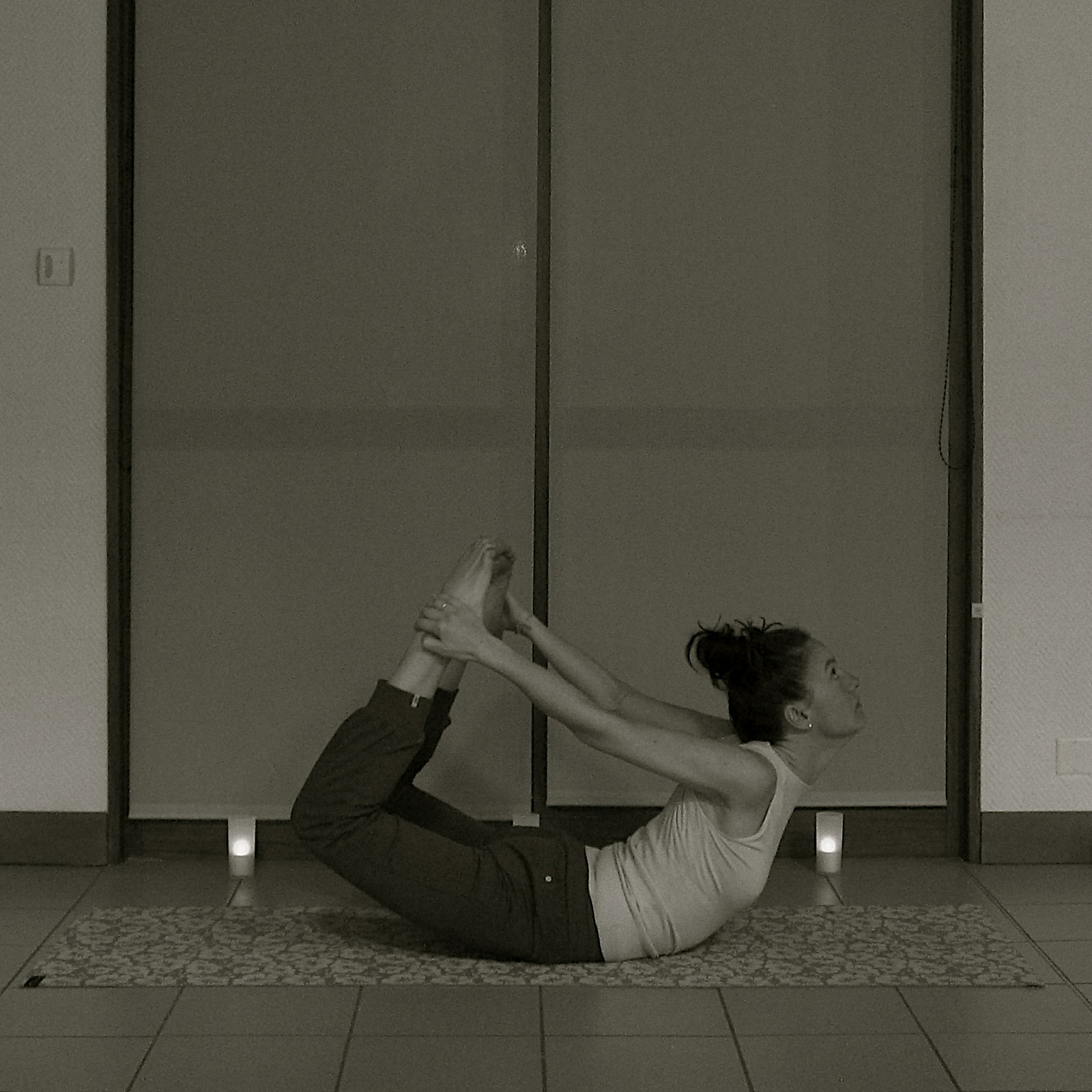 La pratique de yoga pour un dos sain fort et sain.