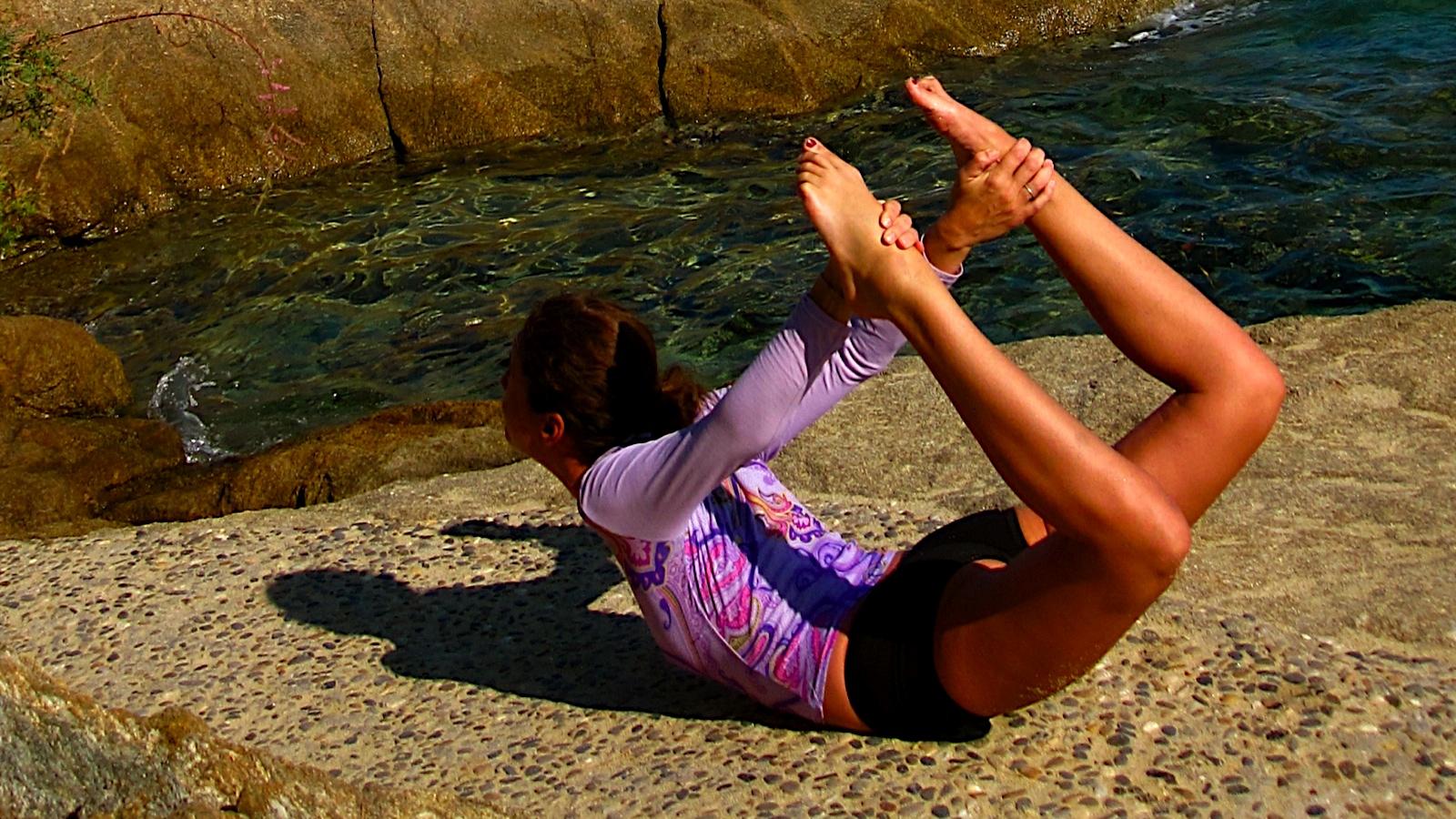 posture-yoga-arc-dhanurasana
