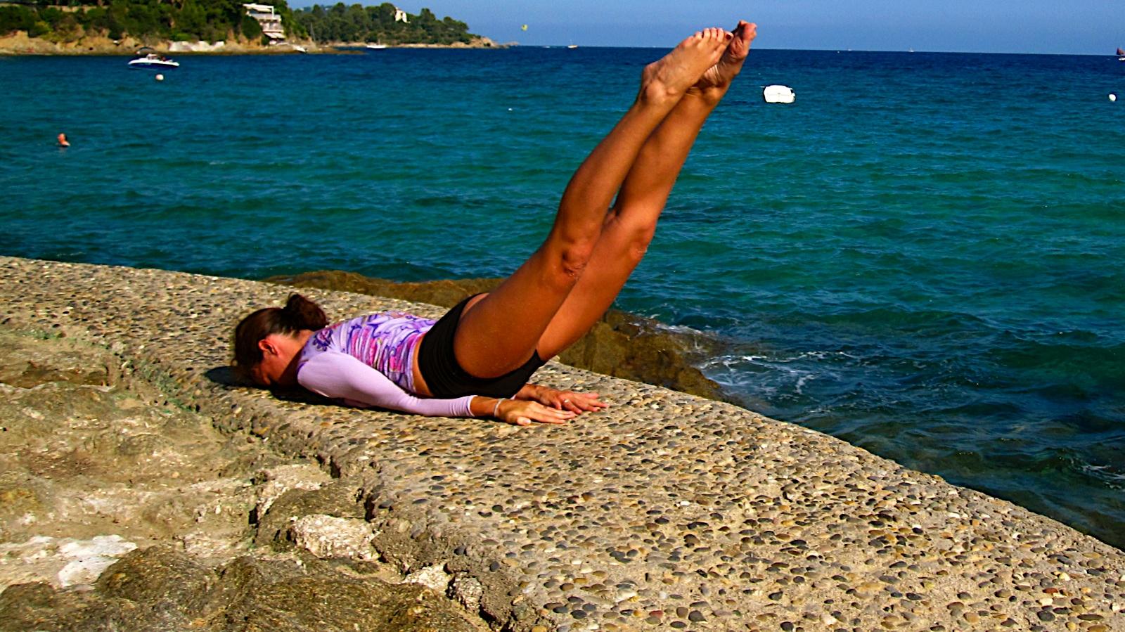 posture-yoga-chandelle