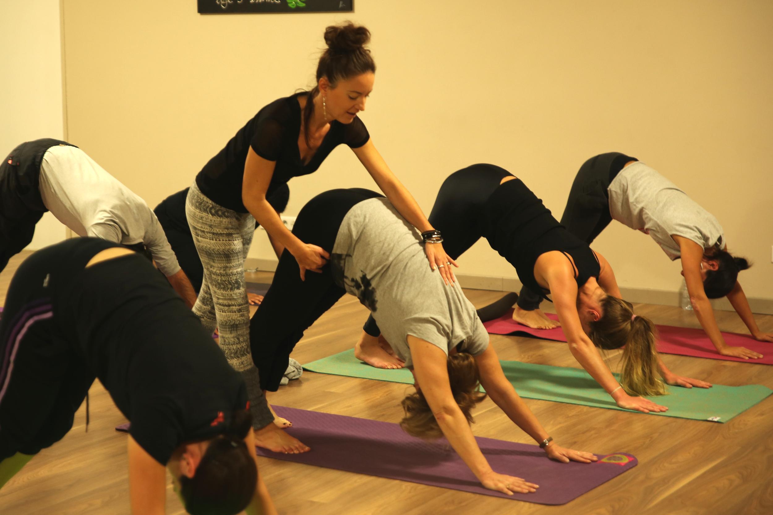 Cours de yoga en collectif à Cornebarrieu.
