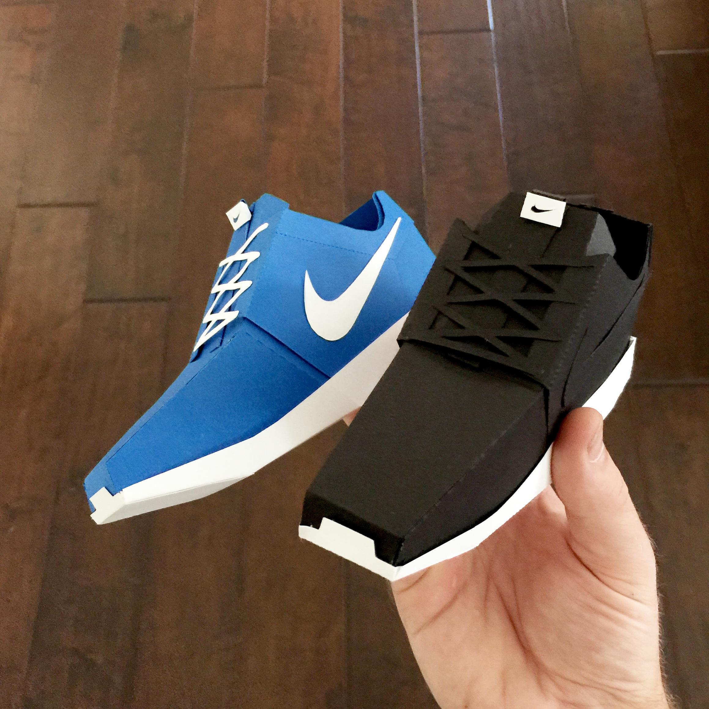 roshe run black and blue.jpg
