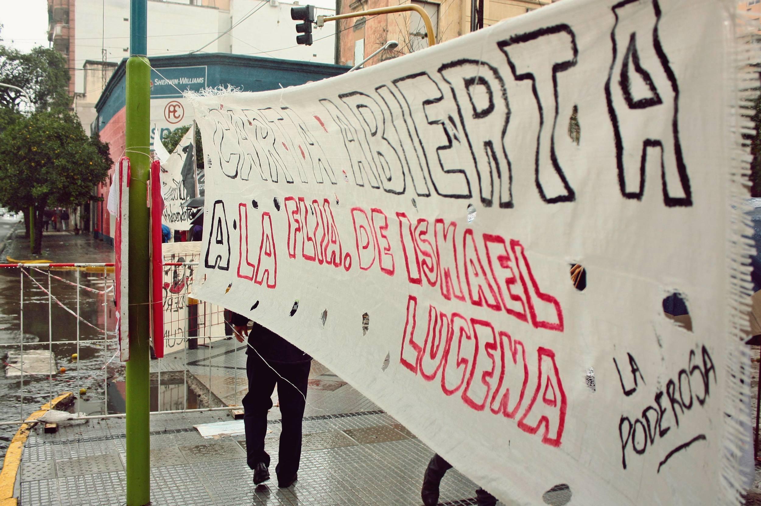 Decenas de personas dejaron su mensaje para la familia de Ismael Lucena.