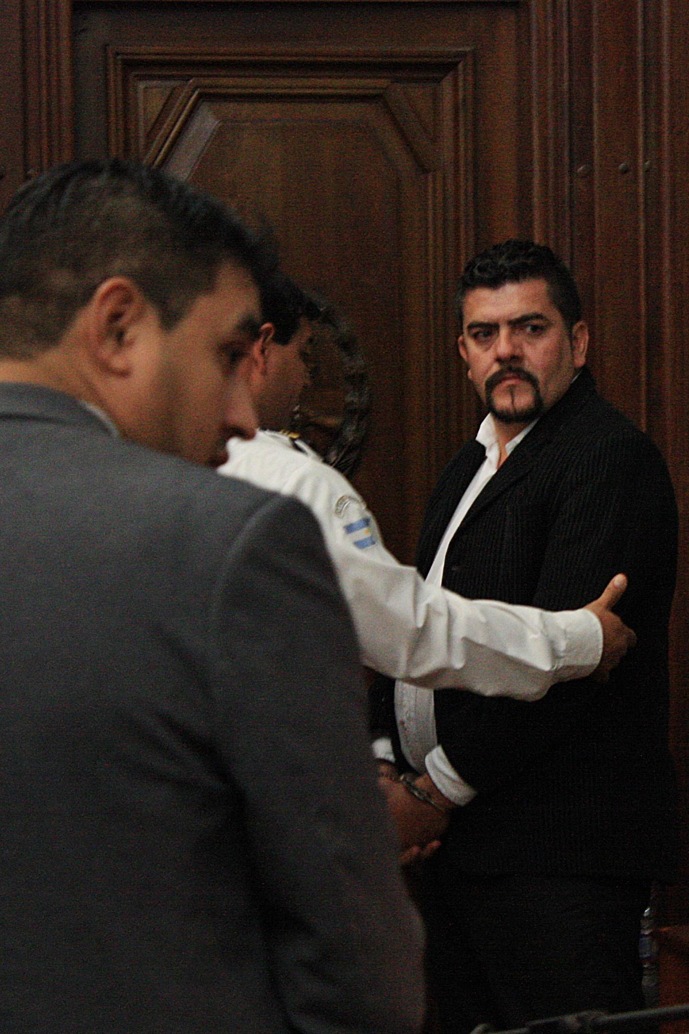 El tribunal decidió la inmediata detención de Becero, Monserrat y González y su traslado a Villa Urquiza.