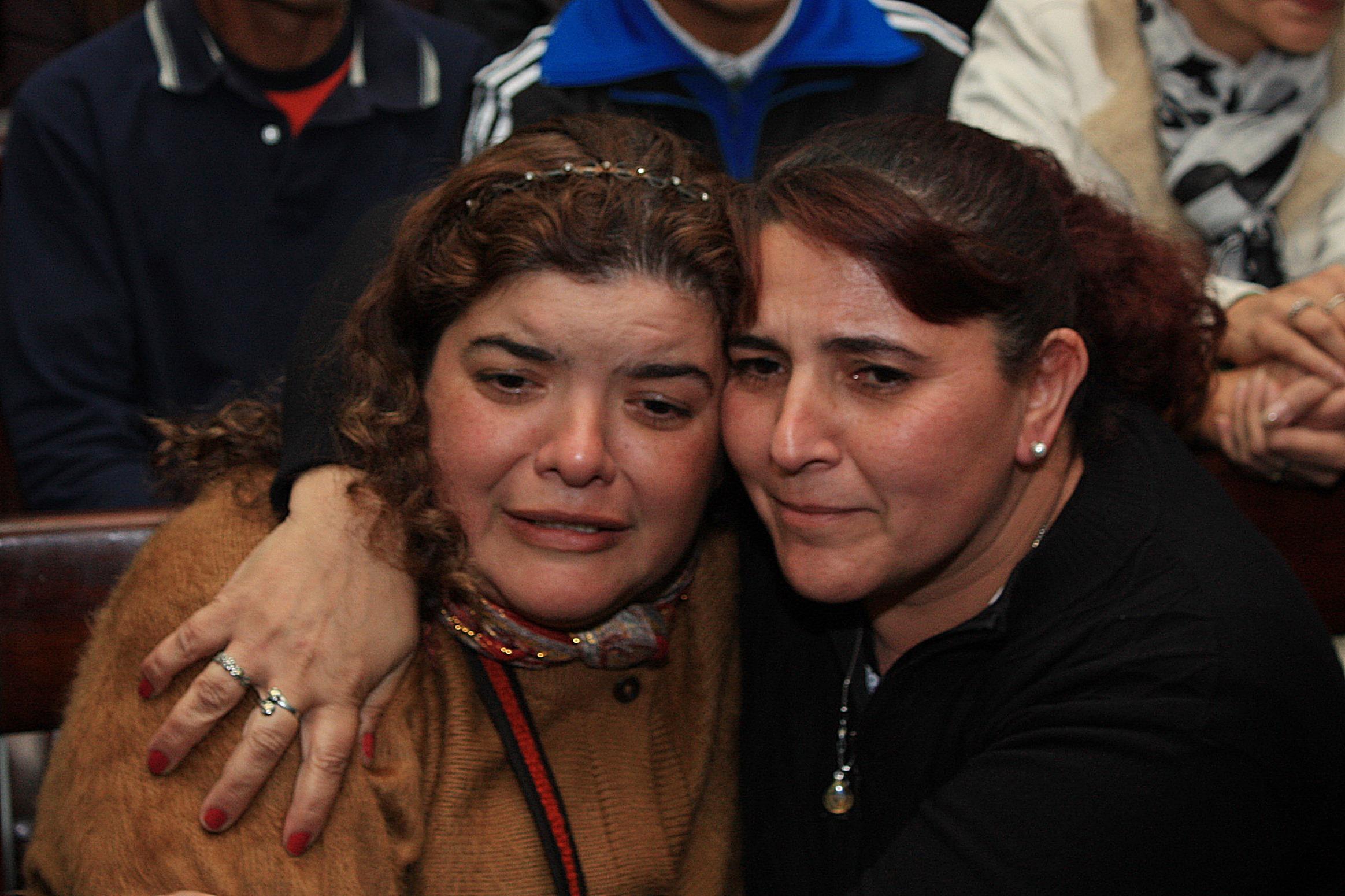 Isabel de la Cruz, cuñada de Ismael, emocionada tras escuchar la decisión del tribunal.