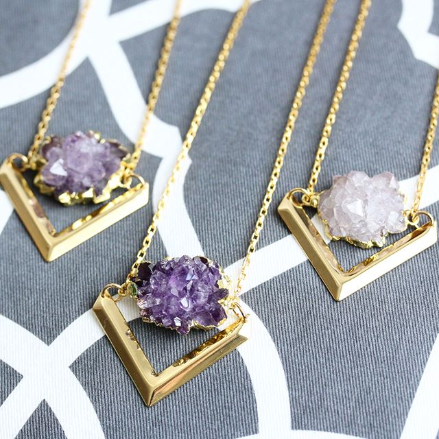 ✨Amethyst Blooms are one of my all time faves 😍💜🌸 They're much harder for me to come by so when I do, I have a bit of a hard time letting them go 😏 How pretty are these?! Do you prefer deeper or lighter tones of purple?! Link in bio if you want to see what it looks like on a neck... Taking pics today of new gems and gearing up for a giveaway in the next few!! I'll be letting you guys choose the #giveaway piece this time 😊 deets coming soon! Enjoy the rest of the day you beauties!! 😘#amethyst #blooms #flowers #spring