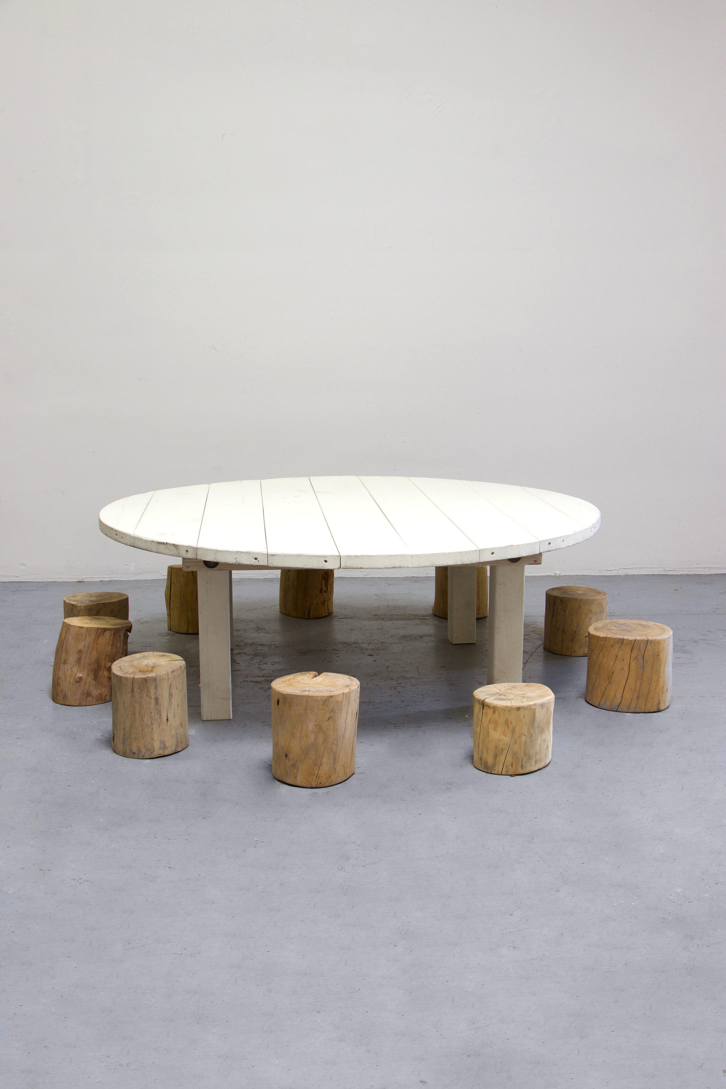 1 Kids Vintage White Round Farm Table w/ 10 Tree Stumps