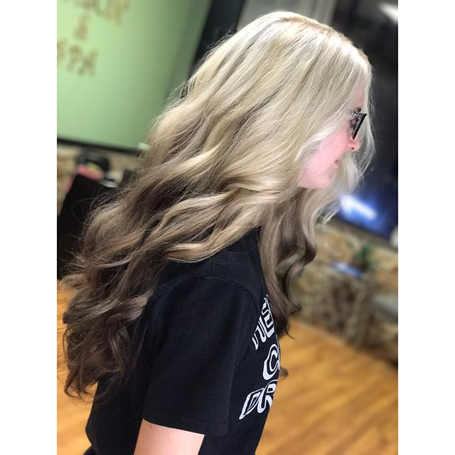Stunning reverse ombré by Artist Nickie!  #cool #reverseombre #art #artist #longhair #colormelt #technique #blend #haircolor #hair #stylist #emzysalonandspa