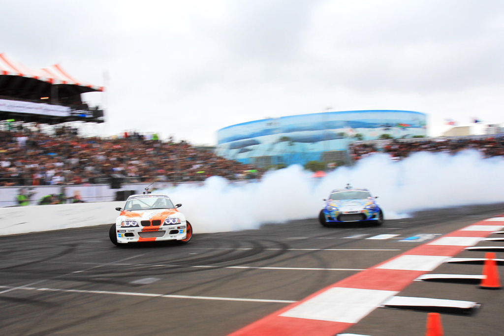2013-formula-d-round-1-streets-of-long-beach-michael-essa-gsr-autosport-bmw-m3-vs-ken-gushi-greddy-hankook-scion-frs.jpg