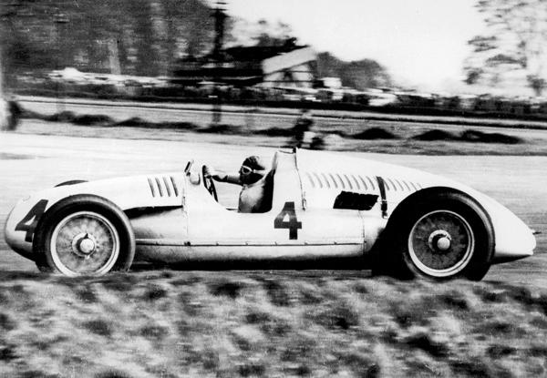 Tazio Nuvolari wore Number 4 in Belgrade.