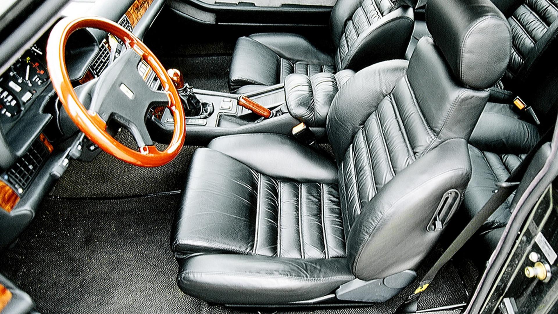 002 maserati-biturbo-coupe (1).jpg