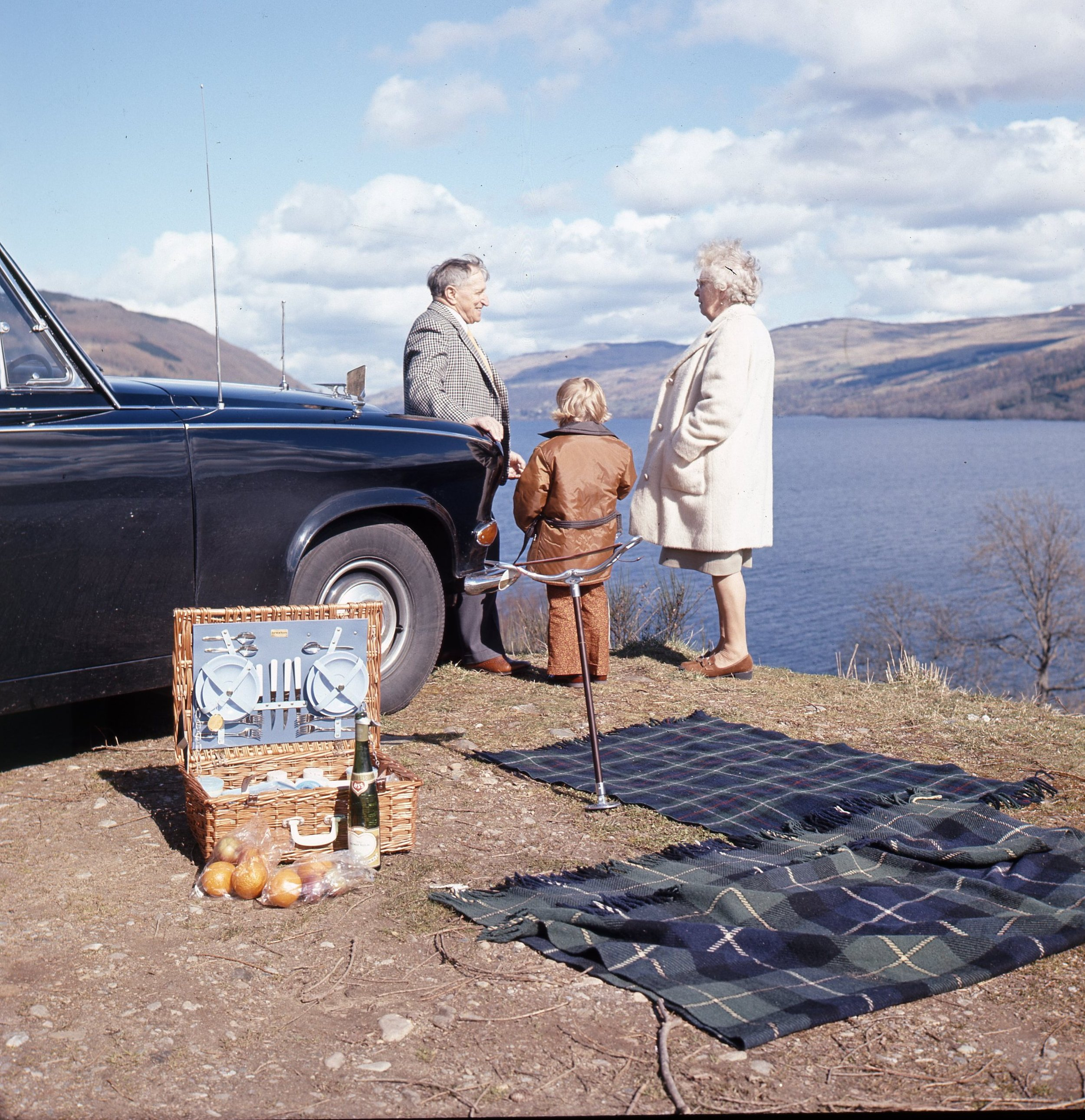 Daimler Craig Mama Papa.jpg