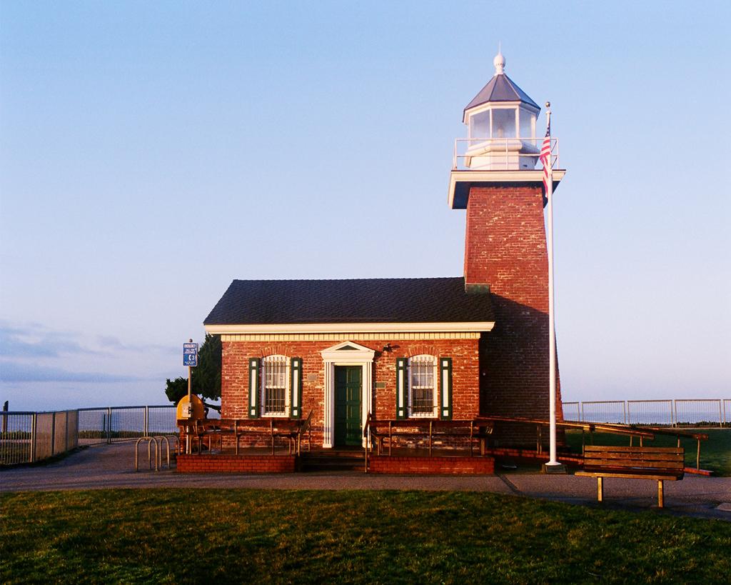 Steamers_Lighthouse.jpg