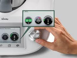 Adjust the temperature and timer easily with a turn of the knob