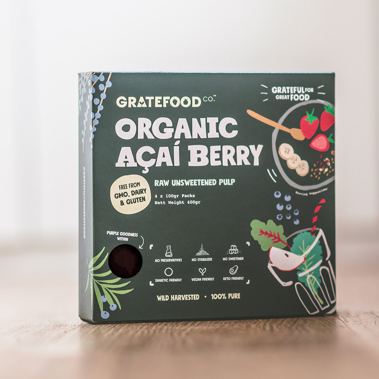 Our organic raw frozen Açaí, packed in environmentally-friendly Kraft paper packaging