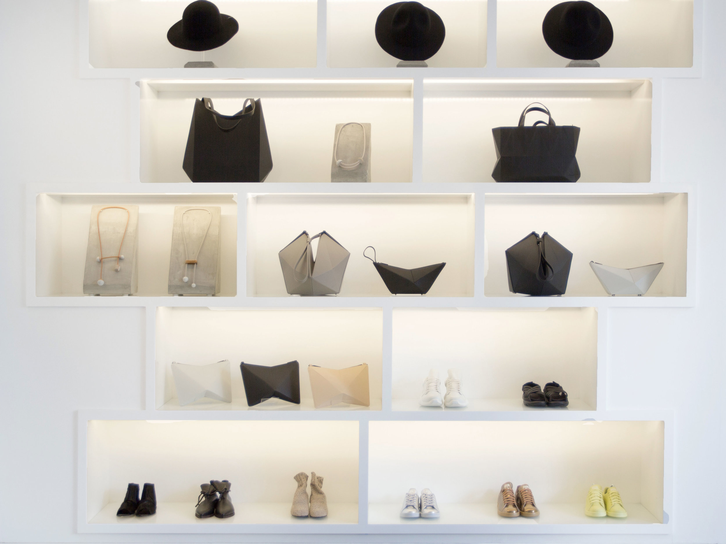 instore-display2-THE-CELECT2.jpg