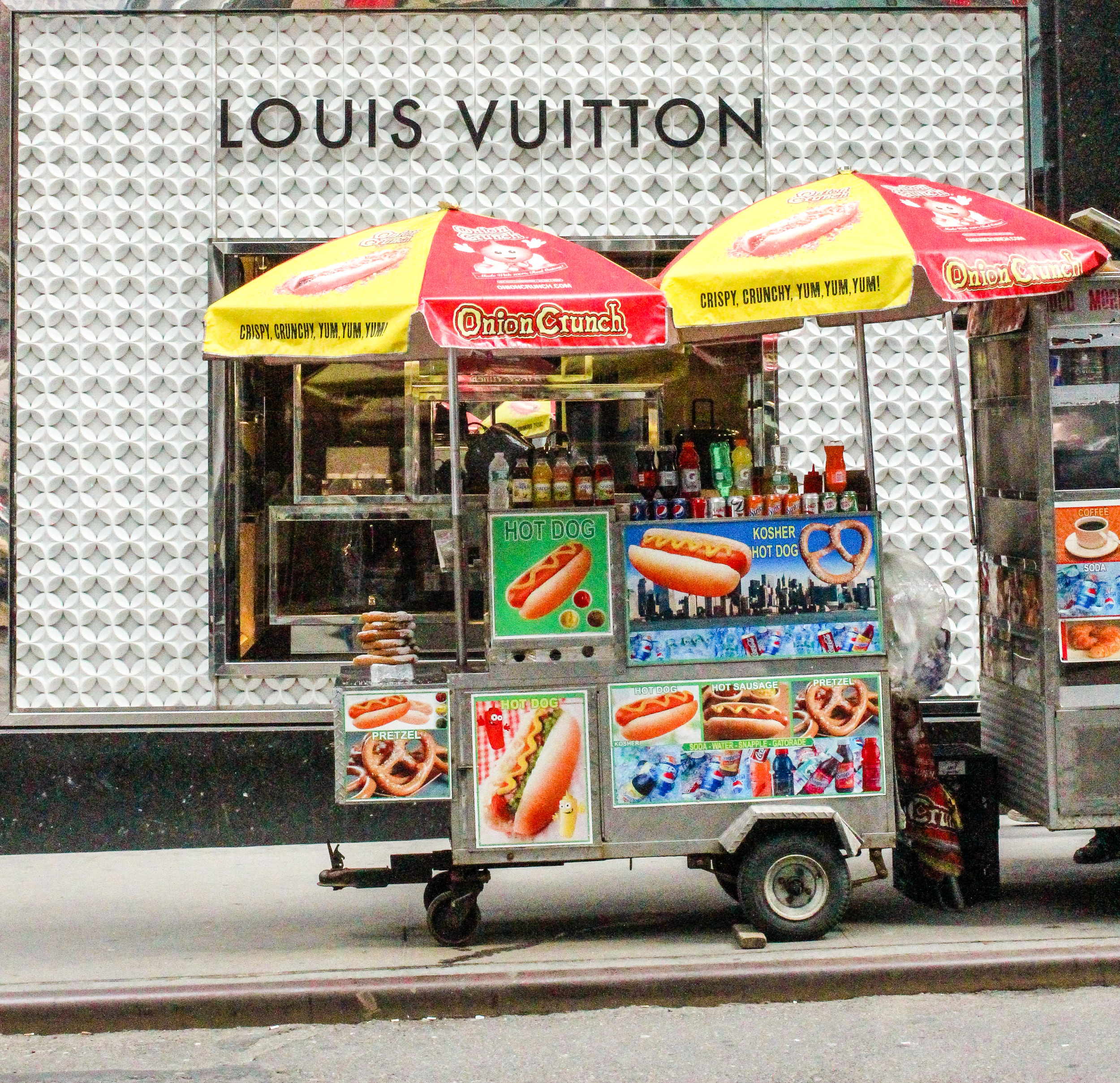 Hot Dog Louie