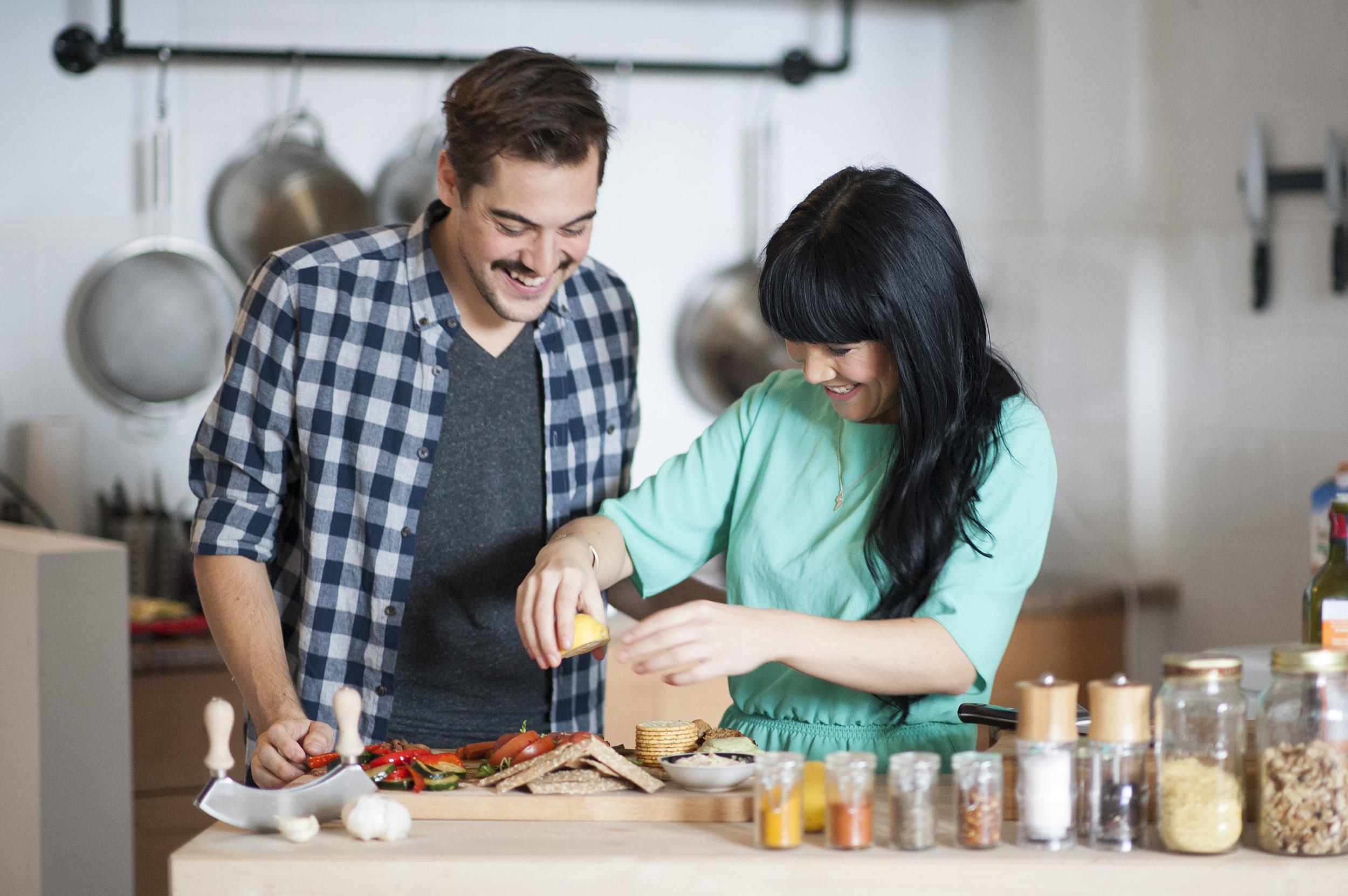 Lauren Toyota and John Diemer, hot for food blog