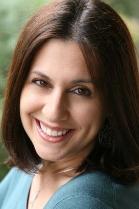 Lisa Becker headshot.jpeg